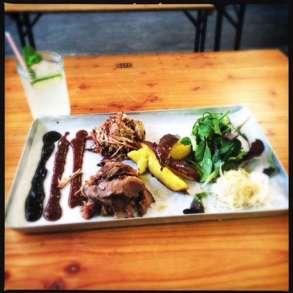 Pilled Pork und Beef Brisket Plate